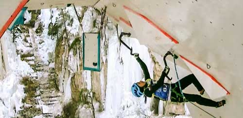 Maria Tolokonina v závěrečném stropě