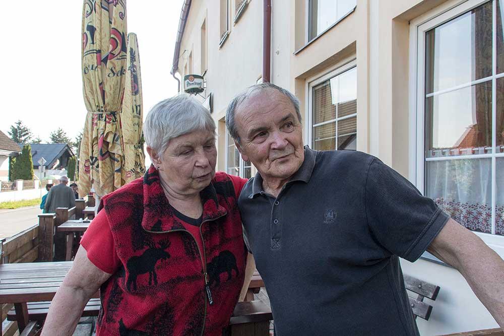 Vpravo Vašek Cajtháml a jestli znáte jméno dámy vlevo, napište do komentářů.