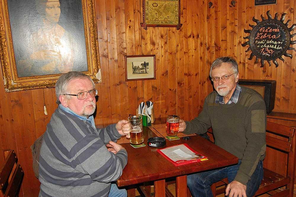 Igor Novák a Jan T. Reichel v hospodě U klokoně