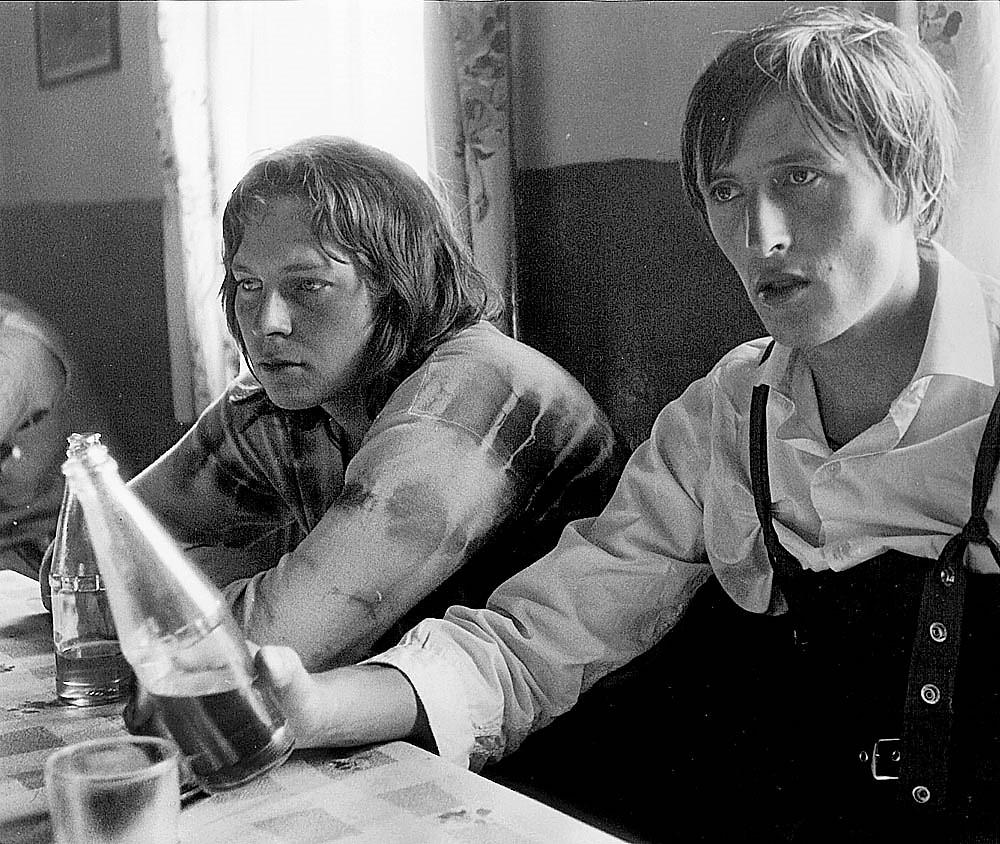 Pavel Stříbrný a Honza Chroust III, hospoda Sušky, jaro 1973