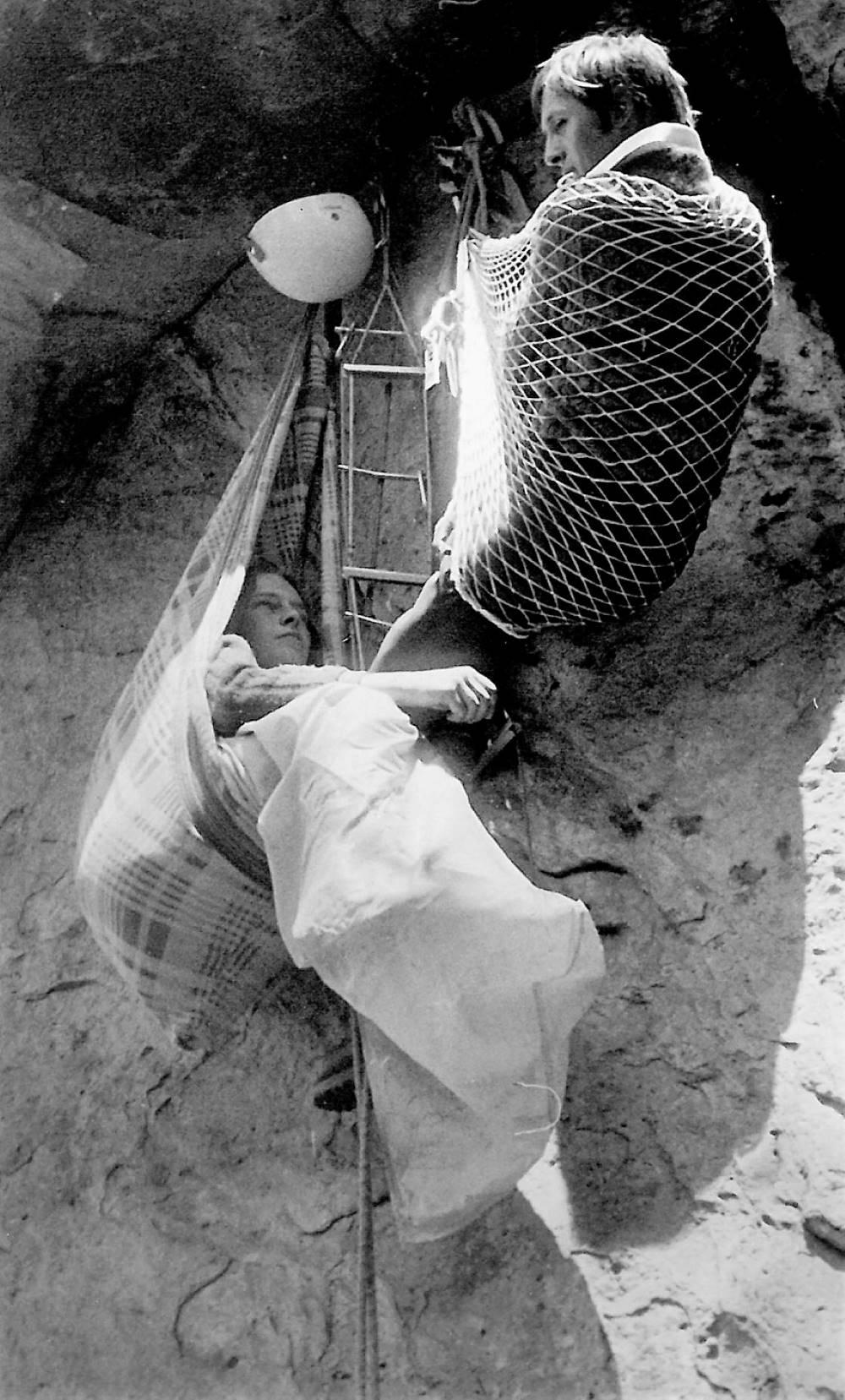 Stříbrňák a Honza Chroust III,m Záklůady horoezectví, bivak Sušky jaro 1973