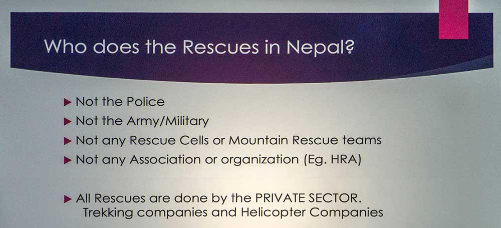 V Nepáku zachraňují jen trekkingové agentury a vrtulníhové firmy