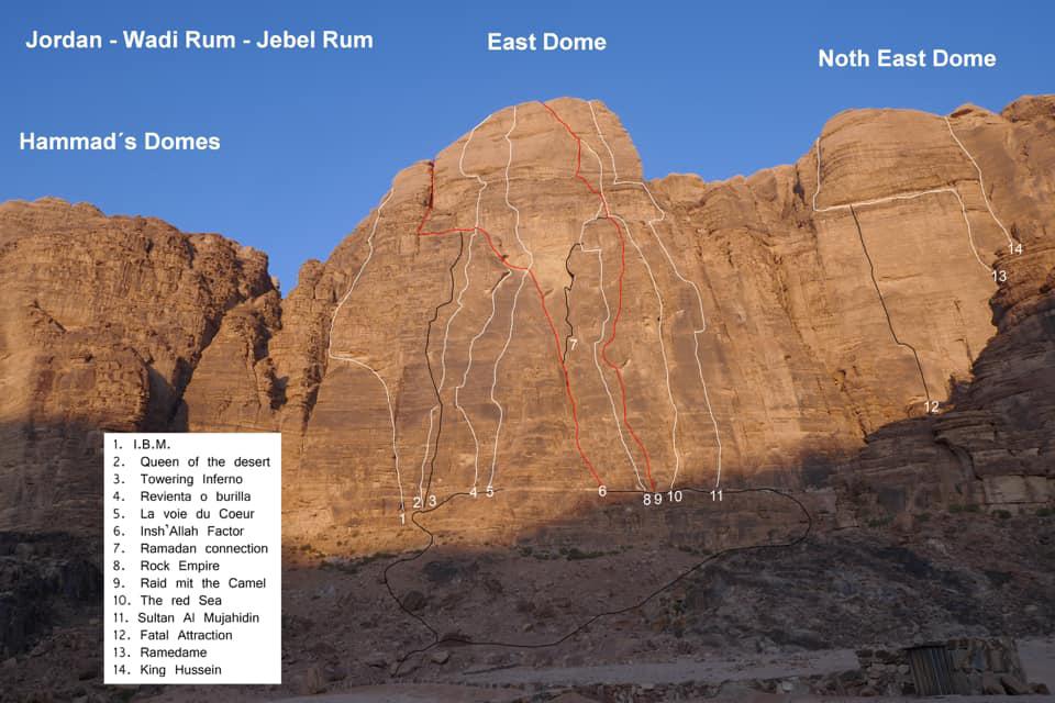 Přehled dlouhých cest ve V stěně Jebel Rum - East Dome.