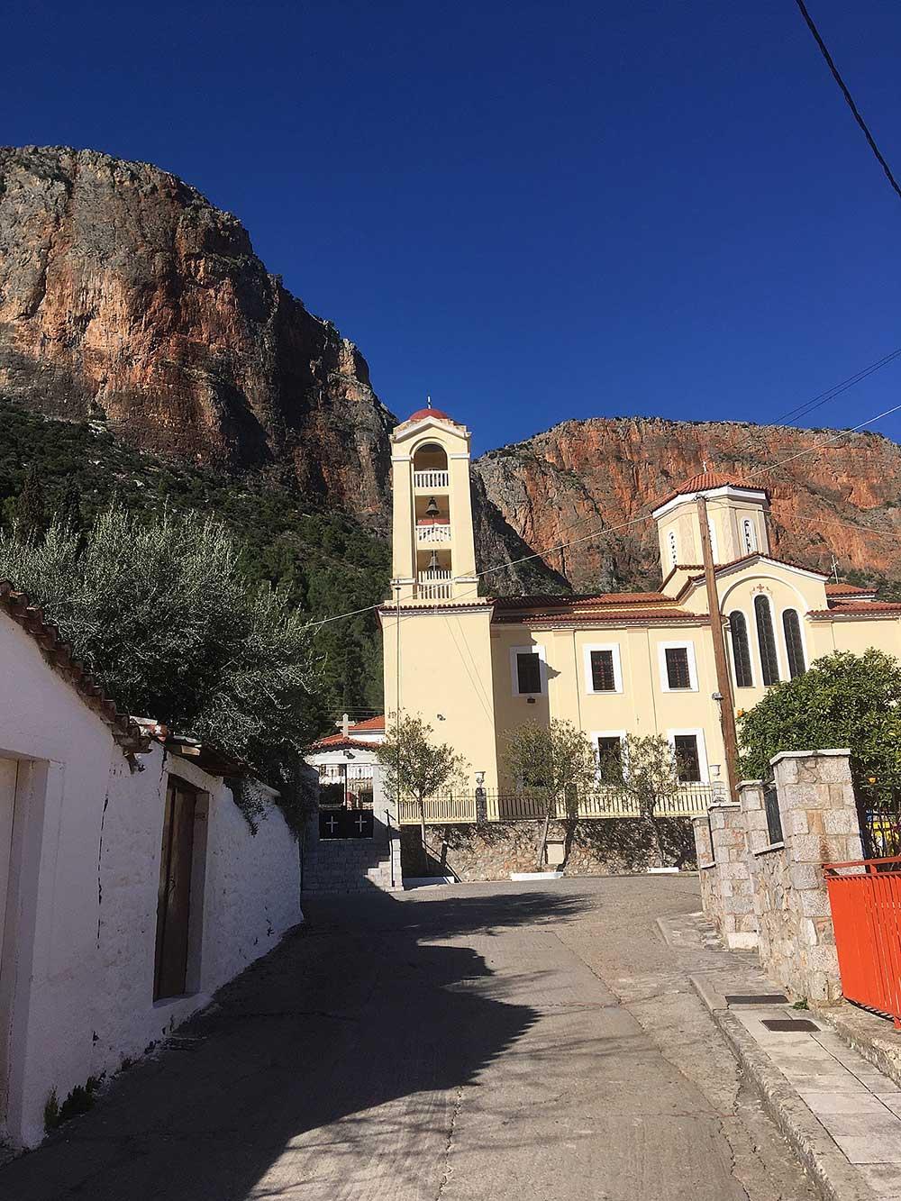 Jeden z kostelů
