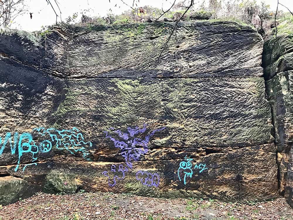 Pravá část skalek, Orel není sokol (vpravo) a 1882 uprostřed