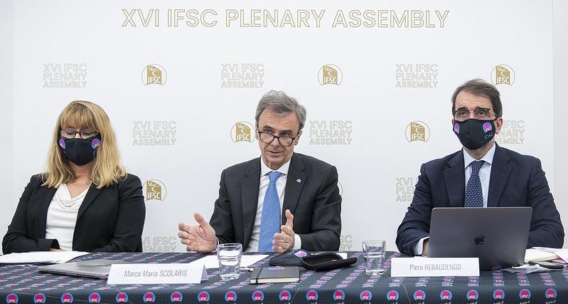 Generální shromáždění IFSVC na obrazovkách