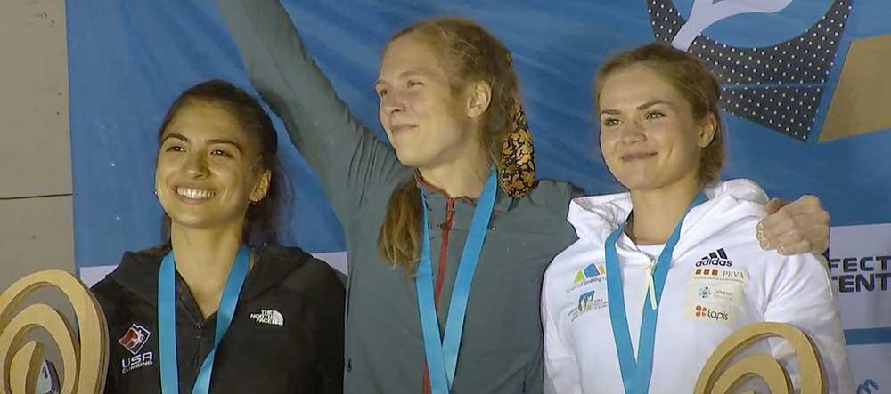 Zlatá Eliška spolu s atalií Grossmanovou vlevo a Vitou Kukanovou vpravo
