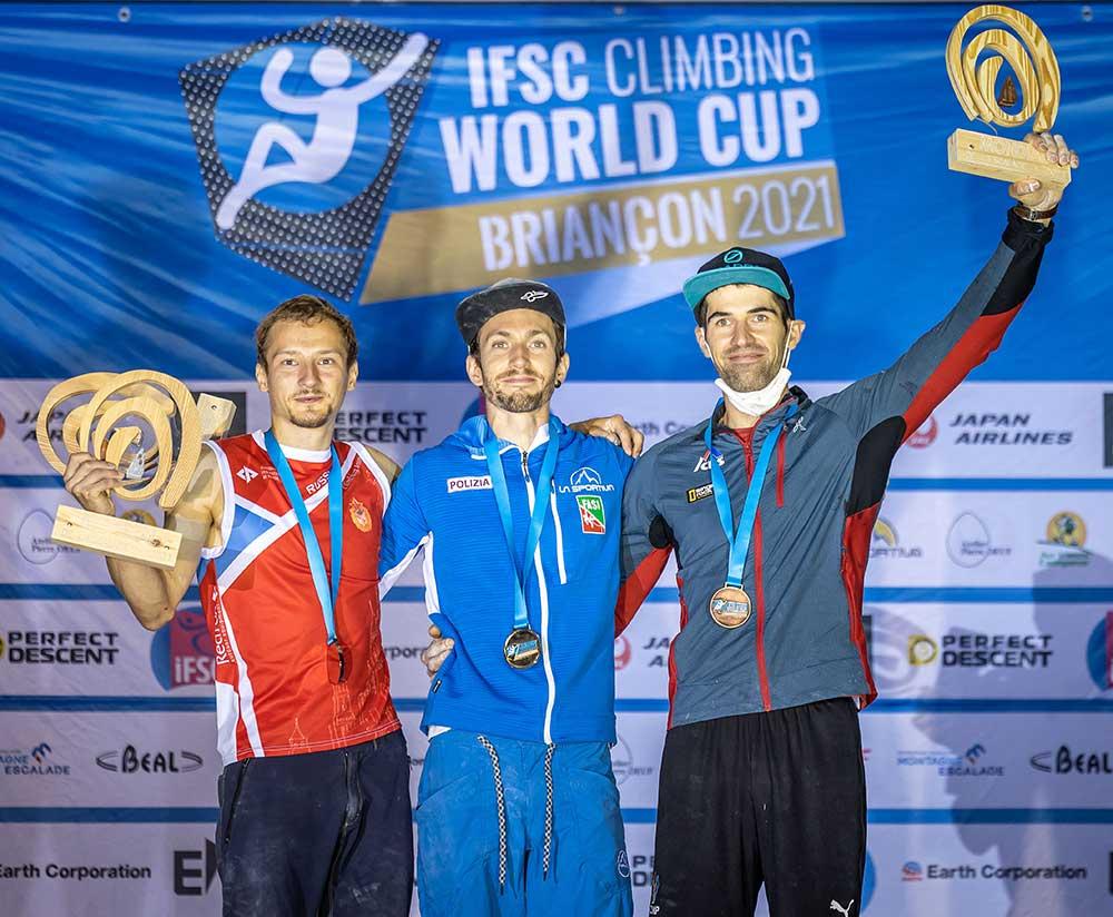 Briancon 2021: Vítězní muži Dmitrij Fakirjanov, Stefano Ghisolfi, Marton Stráník
